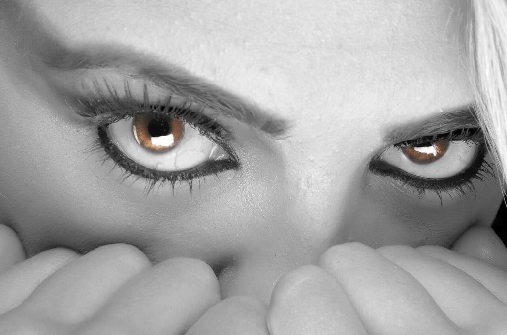 eyes-394175_1280