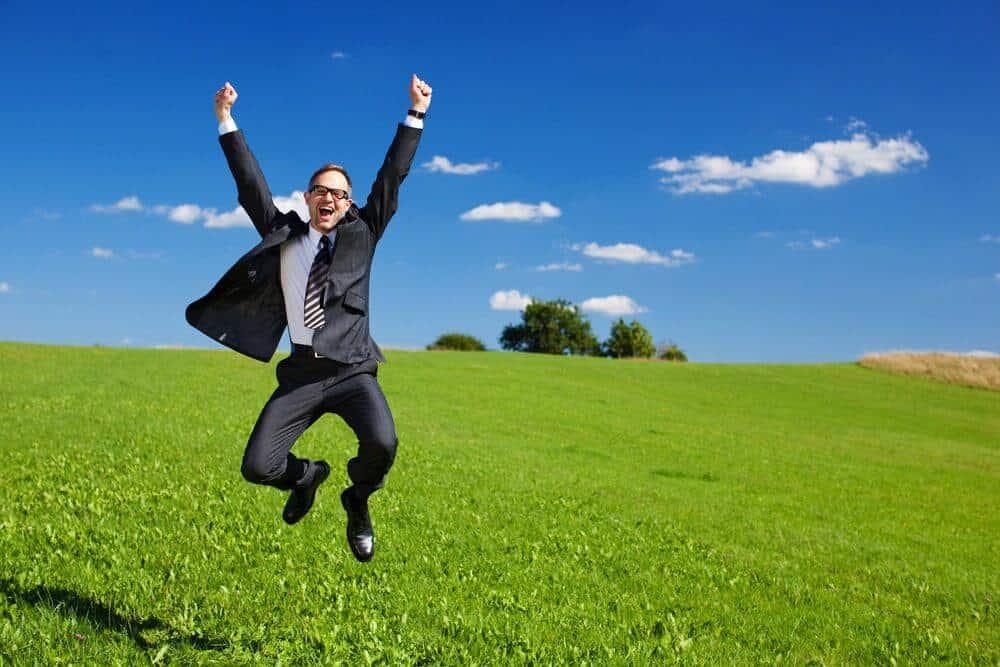 feliz e felicidade no trabalho